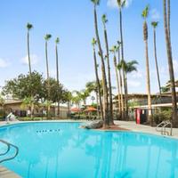 Ramada San Diego North Hotel & Conference Center Pool