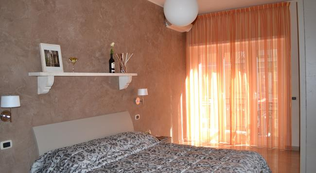 Gemelli Rooms - Rome - Bedroom