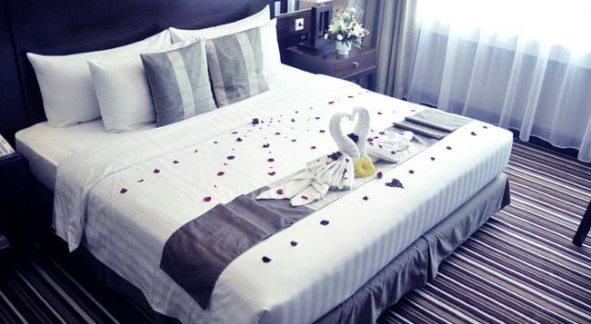 Aston Samarinda Hotel and Convention Center - Samarinda - Bedroom