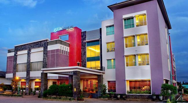 Aston Tanjung City Hotel - Tanjung Warukin - Building