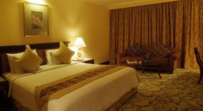 Aston Tropicana Hotel Bandung - Bandung - Bedroom