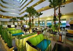 Aston Cirebon Hotel & Convention Center - Kota Cirebon - Restoran