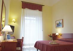 Hotel Adria - Bari - Kamar Tidur