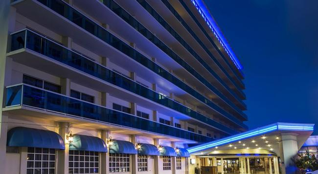 Ocean Sky Hotel and Resort - Fort Lauderdale - Building