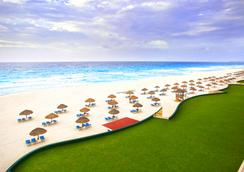 The Royal Caribbean - An All Suites Resort - Cancun - Pantai