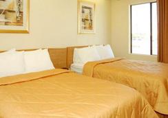 Hathaway Inn - Panama City - Kamar Tidur