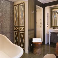 Hôtel Des Grands Hommes Bathroom Shower
