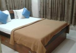 Hotel Magic Palace - Ahmedabad - Kamar Tidur