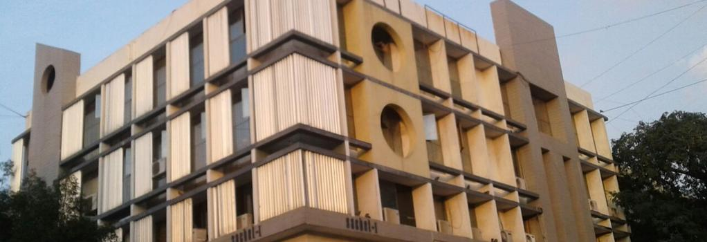 Hotel Magic Palace - Ahmedabad - Building