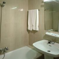 Hotel Pelinor Bathroom