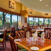 DoubleTree Suites by Hilton Hotel Phoenix Bar/Lounge