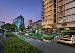 Sathorn Vista, Bangkok - Marriott Executive Apartments - Bangkok - Kolam