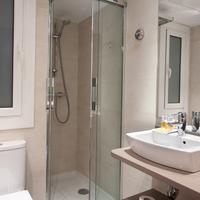 Aparthotel Silver Bathroom