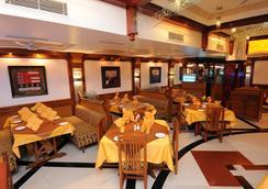Radhika Beach Resort - Diu - Restoran