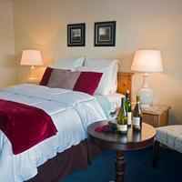Rogue Valley Inn Guest room