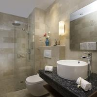 Luca Hotel Bathroom