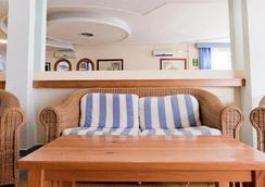 Hotel Apartamentos Lux Mar - Ibiza - Lobi