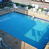 Motel 6 Green Bay Pool view