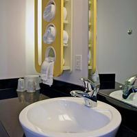Motel 6 Sacramento Central Bathroom sink
