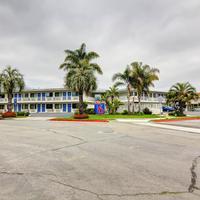 Motel 6 Santa Barbara Beach Exterior View