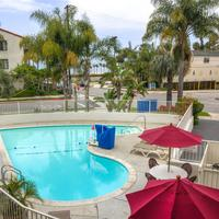 Motel 6 Santa Barbara Beach Pool
