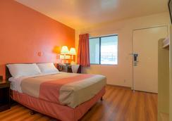Motel 6 Palm Springs Downtown - Palm Springs - Kamar Tidur