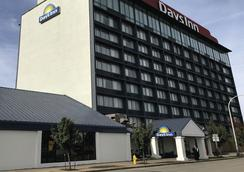 Days Inn Niagara at the Falls - Niagara Falls - Bangunan