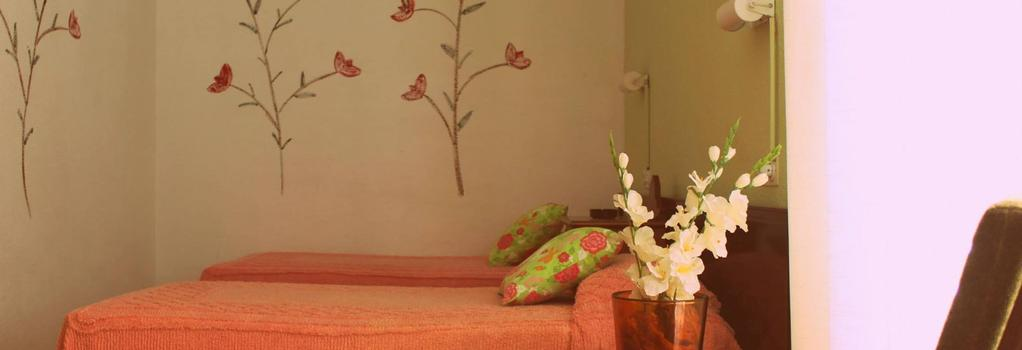 Hostal Mestral - Lloret de Mar - Bedroom