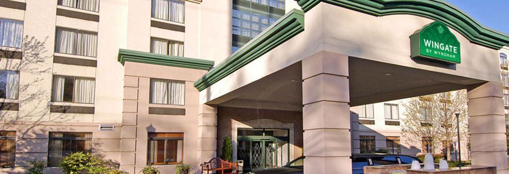 Wingate by Wyndham Atlanta/Buckhead - Atlanta - Building