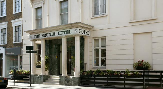 Brunel Hotel - London - Building