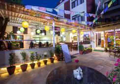 Aryatara Kathmandu Hotel - Kathmandu - Restoran