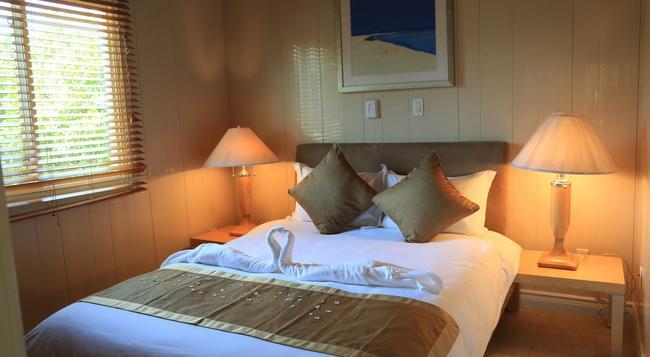 Ridge Residences Inn - Providenciales - Bedroom