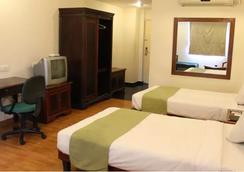 Sandhya Hotel - Hyderabad - Kamar Tidur