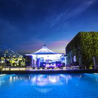 Amara Bangkok Poolside Bar