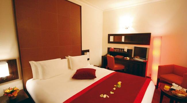 Hotel Westside Arc De Triomphe - Paris - Bedroom