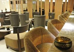 Grand Swiss Sukhumvit 11 by Compass Hospitality - Bangkok - Lobi