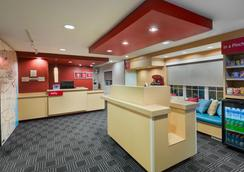 TownePlace Suites by Marriott Albany University Area - Albany - Lobi