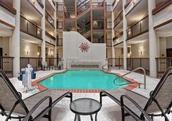 Hilton Garden Inn San Antonio Airport - San Antonio - Kolam