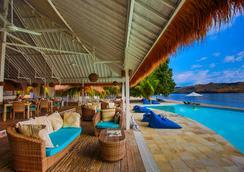 Seraya Hotel And Resort - Labuan Bajo - Kolam