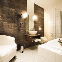 Ulfsunda Slott Bathroom
