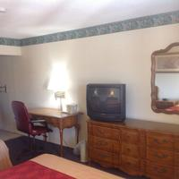 New Haven Inn Guest room