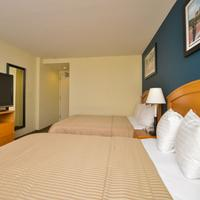 Magnuson Convention Center Hotel Guestroom