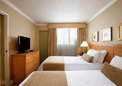 Sunset Inn and Suites - Vancouver - Kamar Tidur