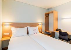 Moov Hotel Porto Norte - Porto - Kamar Tidur