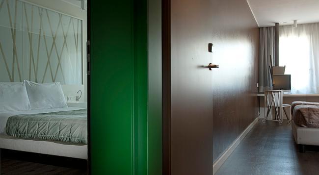 Hotel Admiral - Lugano - Bedroom