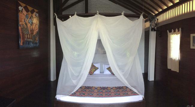Kubu Ganesh Guesthouse - Klungkung - Bedroom