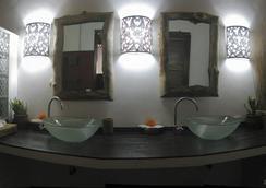 Kubu Ganesh Guesthouse - Klungkung - Kamar Mandi