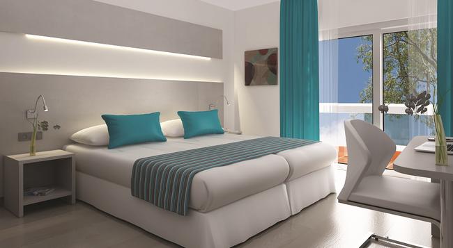 Hotel Fenix - S'Arenal - Bedroom