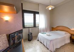 Hotel Maja - Pescara - Kamar Tidur