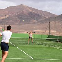 Sandos Papagayo Beach Resort Tennis Court